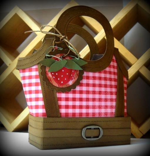dtgd-3d-strawberry-hello-bag-blog-copy.jpg